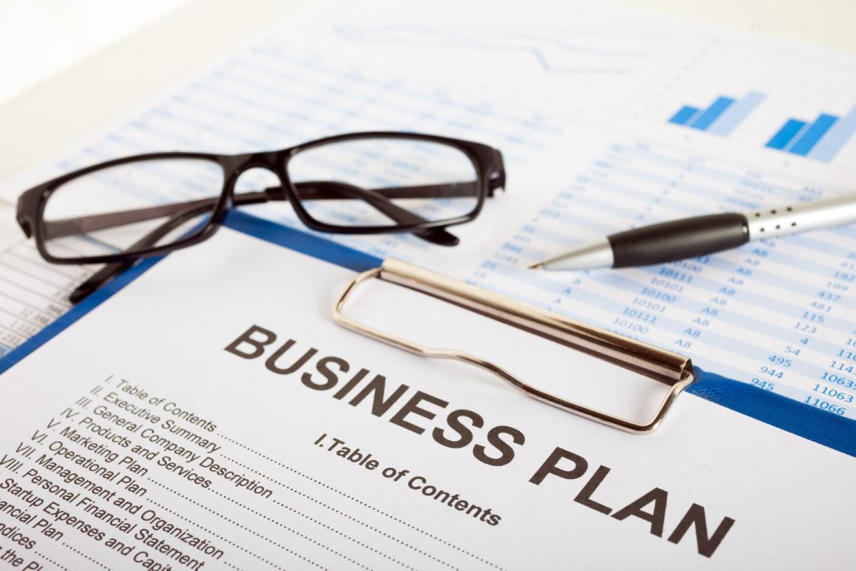 Der erste Schritt in die Selbstständigkeit ist der Businessplan