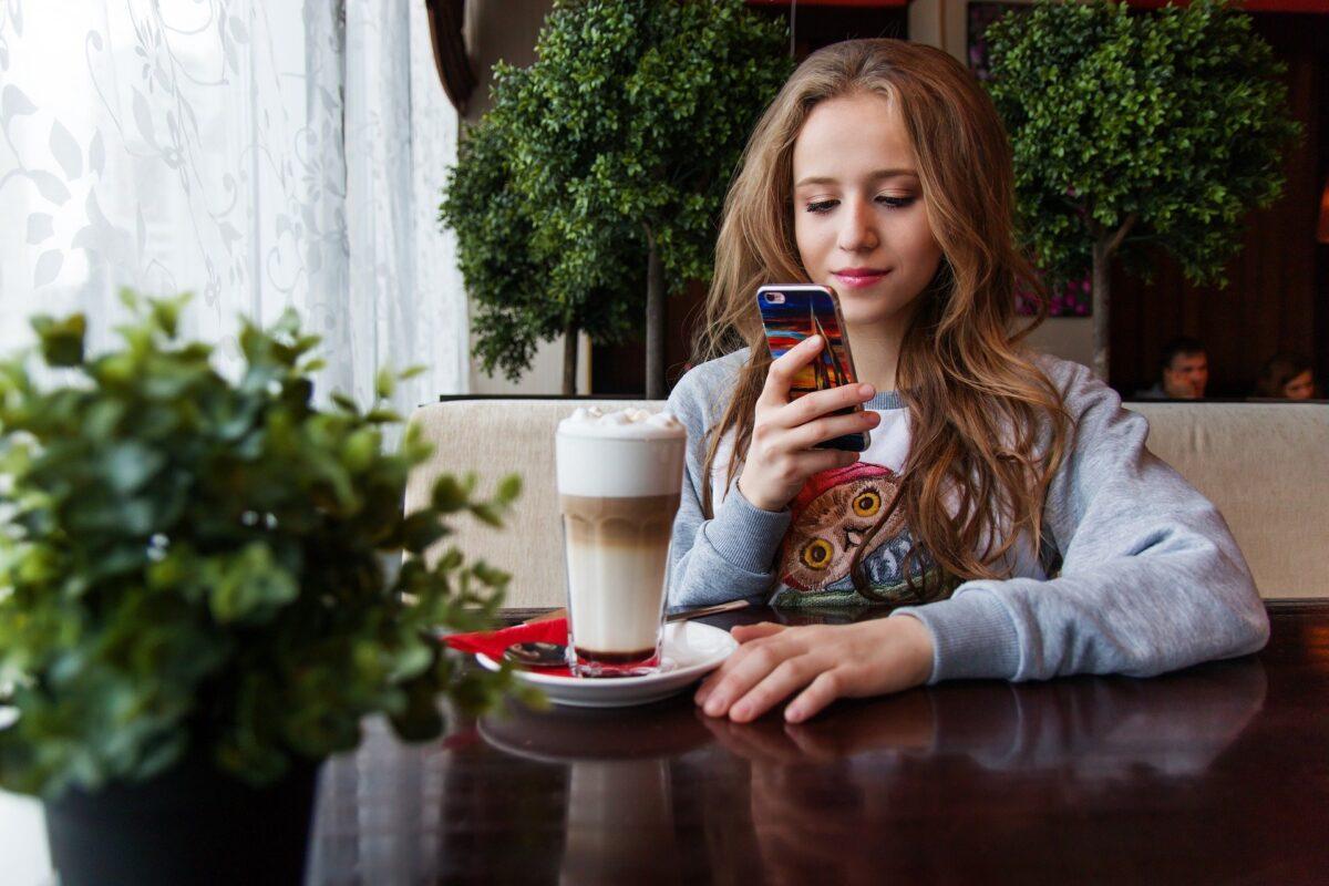 Internetnutzung verlagert sich immer stärker aufs Smartphone