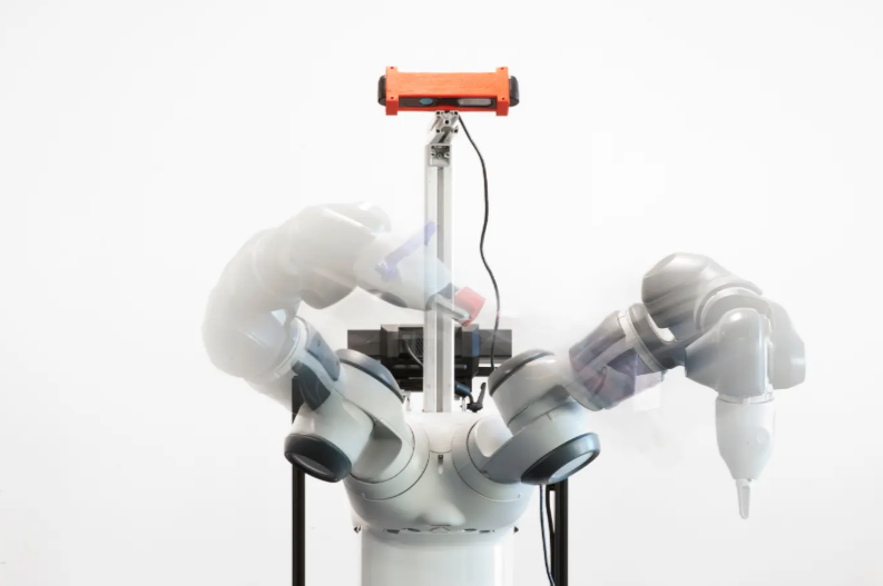 Cobots: Die kleinen Geschwister des Industrieroboters