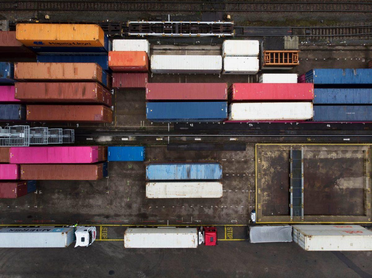 Extreme Globalisierungskritik, berechtigte Sorgen um die Nachhaltigkeit, blanker Protektionismus: der offene Handel und seine Feinde in der Schweiz